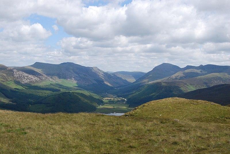 Lake District in England - wikimedia: Davidabrams