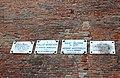 Lastre commemorative dei giocatori del lancio del pallone con il braccale.jpg