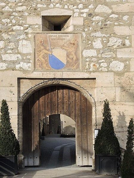 File:Laufen-Uhwiesen - Schloss 2013-01-31 14-43-28 (P7700).JPG