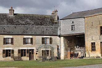 La Poste (France) - A coaching inn in Launois-sur-Vence.