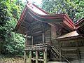 Left side of Honden of Afuku Kahaku-jinja shrine.JPG