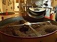 Rösten von Kaffee in der Lloyd Kaffeerösterei
