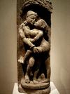 Position en face à face debout. Sculpture indienne d'Orissa du XIIIe siècle