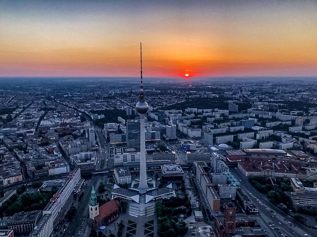 Luftbild Berlin Mai 2018 (bearbeitet).jpg