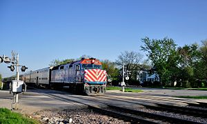 Union Pacific / Northwest Line - A Union Pacific / Northwest Line train led by an EMD F40PH in Norwood Park, Illinois
