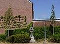 Maastricht - Veldstraat - wegkruis met twee linden GM-287 20200425.jpg