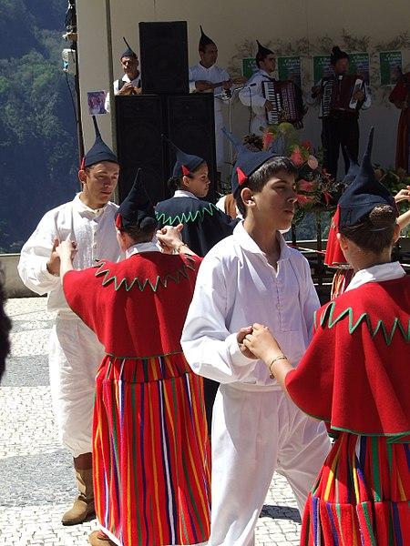 File:Madeira - Curral das Frieras - Folk Dancers (11774009315).jpg