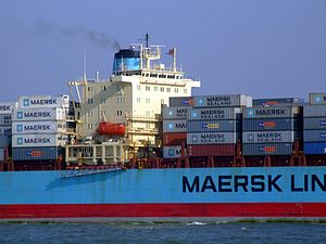 Maersk Mytilini p4 approaching Port of Rotterdam, Holland 01-Apr-2007.jpg