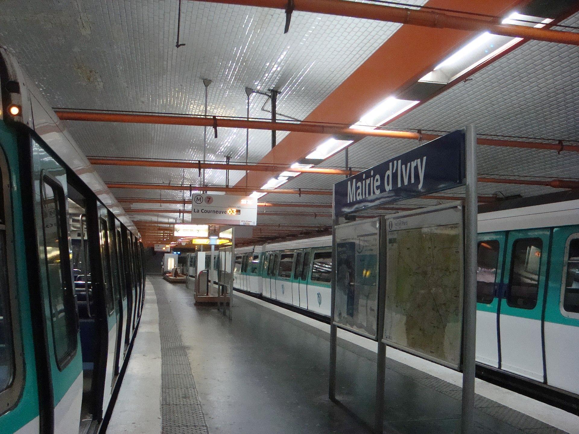 Mairie d 39 ivry paris m tro wikipedia - Metro porte d ivry ...