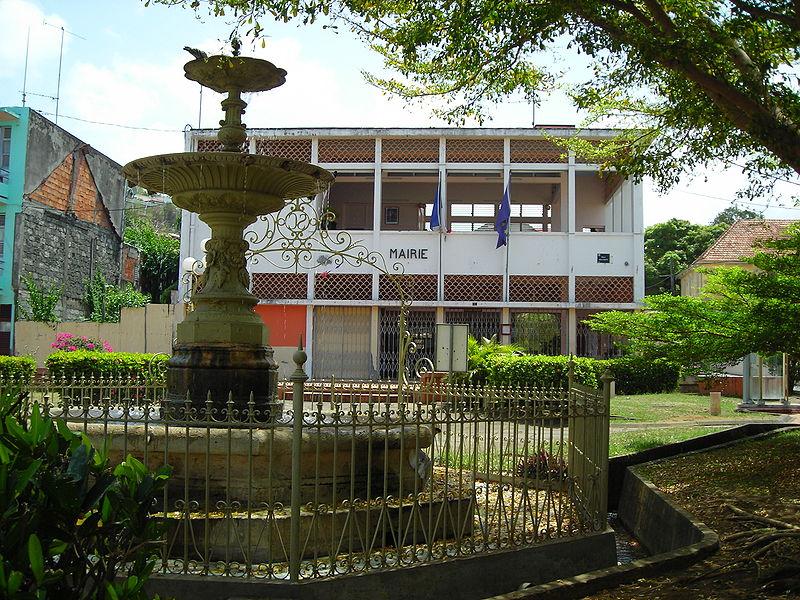 File:Mairie du Carbet.JPG