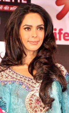 Mallika Sherawat at the launch of BACHELORETTE INDIA.jpg