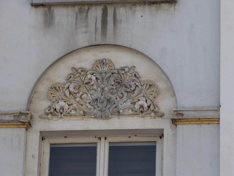 Immeuble sis Place de Rome, ancien siège de la Fondation Cavens, à Malmedy: façade, toitures avant et retours de façades latérales