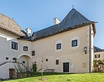 Maria Saal Domplatz 5 Westteil des Torhauses NW-Ansicht 31102018 5274.jpg