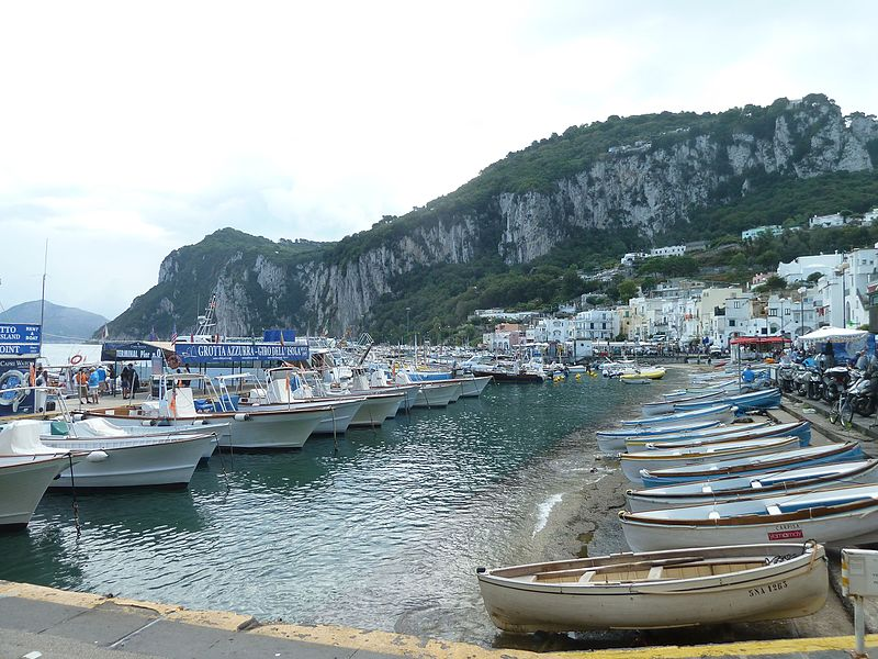 File:Marina Grande porto.jpg