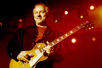 Mark Knopfler - Knopfler performing in Bilbao, 2001