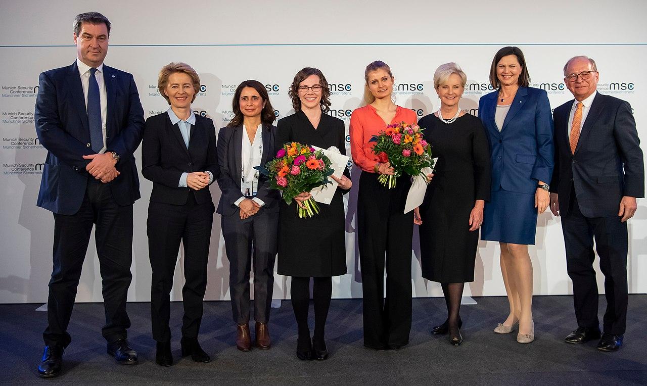 Markus Söder, Ursula von der Leyen, Eugénia da Conceição-Heldt, Abigail S. Post, Ulrike E. Franke, Cindy McCain, Ilse Aigner und Wolfgang Ischinger MSC 2019.jpg