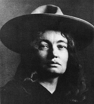 Mary Hunter Austin - Austin circa 1900  (Photo by Charles Fletcher Lummis)