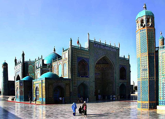 Mazar-e Sharif By Steve Evans from Bangalore, India (Flickr) [CC-BY-2.0 (https://creativecommons.org/licenses/by/2.0)], via Wikimedia Commons