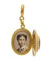 Medaljong med fotografiporträtt av Wilhelmina von Hallwyl, 1860-tal - Hallwylska museet - 109977.tif