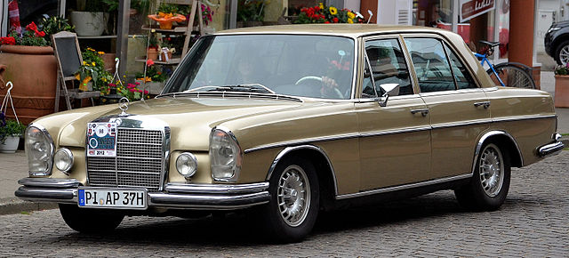 File mercedes benz 280 se w108 1971 wikimedia for Mercedes benz 108