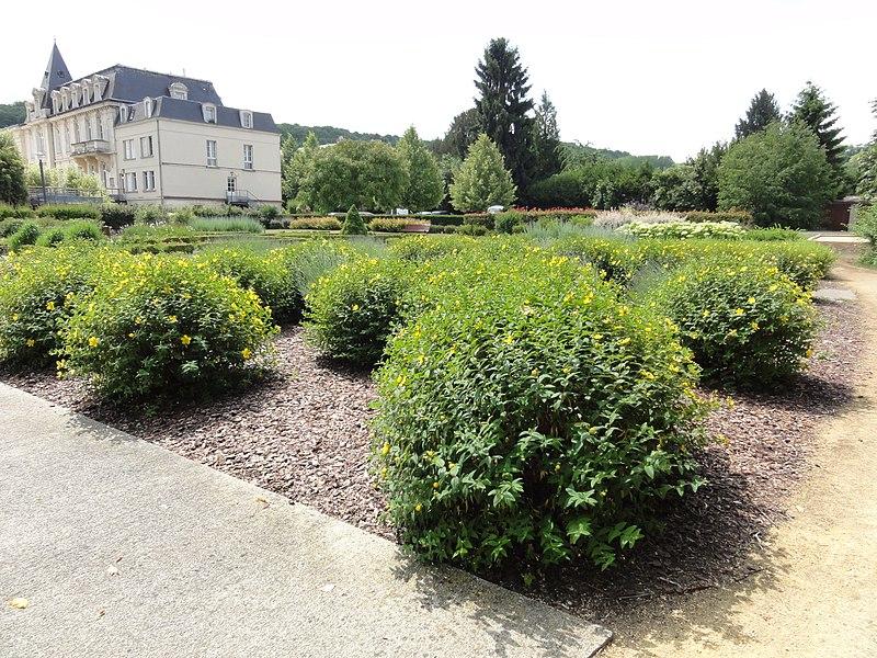 Mercin-et-Vaux (Aisne) Jardin des Senteurs à coté de la mairie