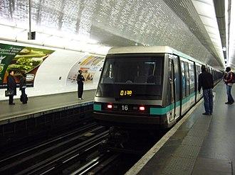 Reuilly – Diderot (Paris Métro) - Image: Metro Paris Ligne 1 Reuilly Diderot (3)