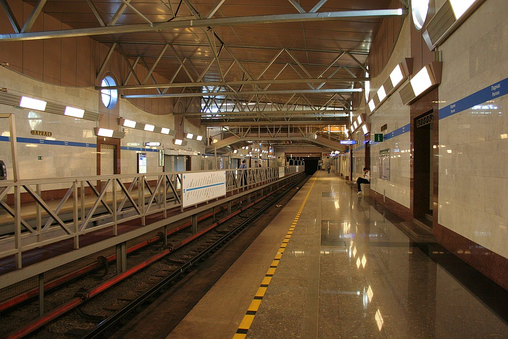 Движение затруднено от станции Парнас