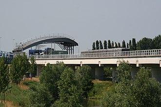 Rotterdam Metro - Pernis metro station