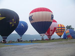 English: Mid-Hudson Valley Balloon Festival at...