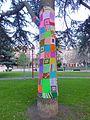 Miranda de Ebro - Yarn bombing en el Parque Antonio Machado 02.jpg