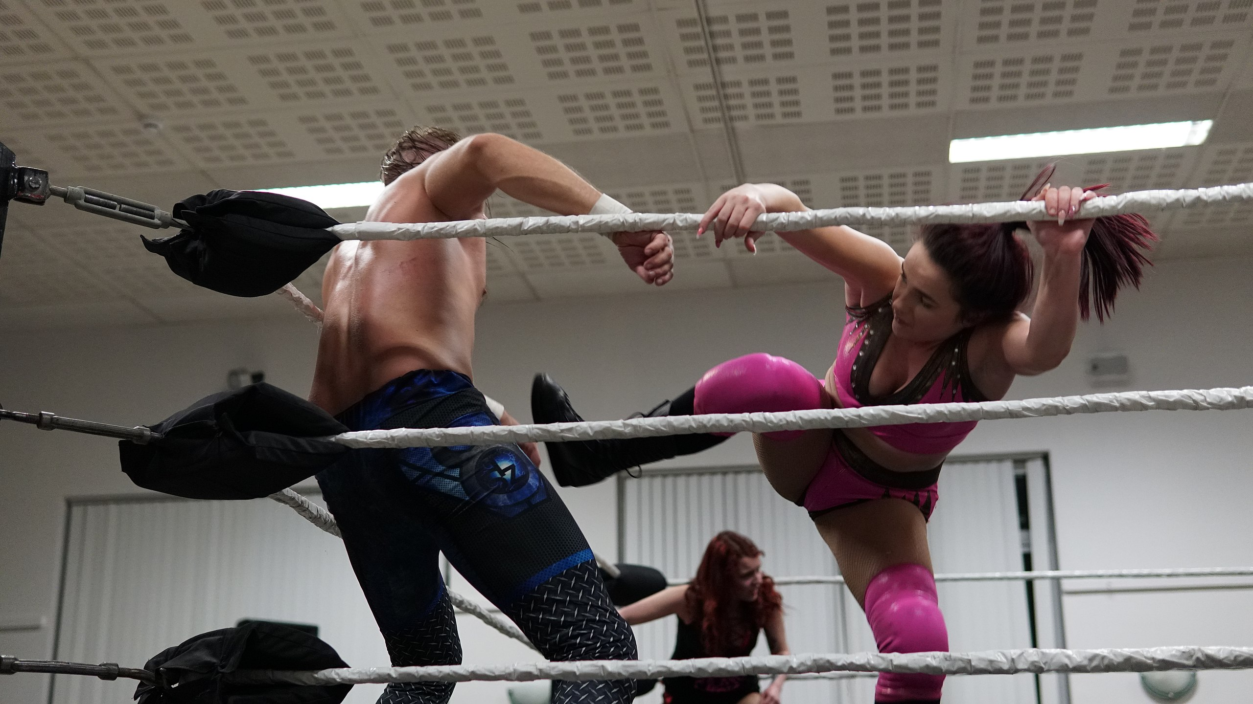 Restling mixed Ball squeezing