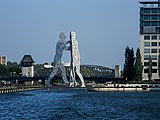 Molecule-Man-sculpture-Berlin.jpg
