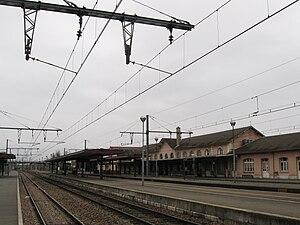 Montargis Station - Image: Montargis gare 5