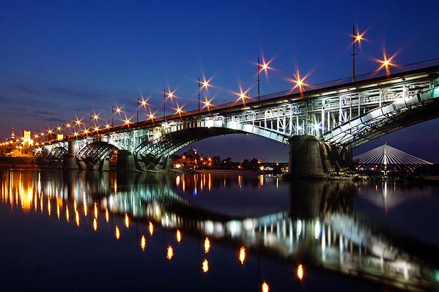 Kандидат в мэры Варшавы обещает довести число мостов через Вислу до 11