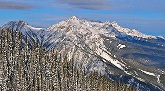 Vermilion Range (Alberta) - Image: Mount Brewster of Vermilion Range of Alberta