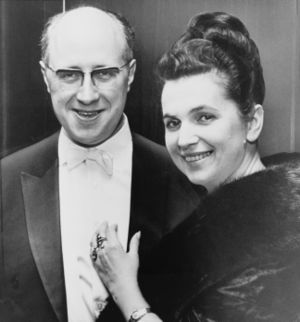 Galina Vishnevskaya - Galina Vishnevskaya with husband Mstislav Rostropovich
