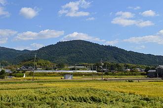 Mount Miwa - Image: Mt.miwa from Hashihaka kofun