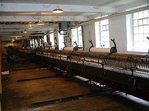 Cotton-spinning machinery - Image: Mule spinning machine at Quarry Bank Mill