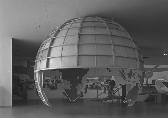 Museum of Modern Art, 1943 Museum of modern art airways to peace exhibition 1943.jpg