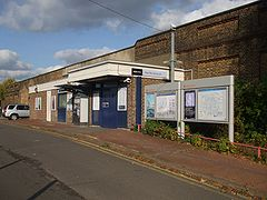 New Beckenham stn main building.JPG
