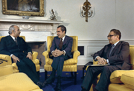 On October 31, 1973, Egyptian Foreign Minister Ismail Fahmi (left) meets with Richard Nixon (middle) and Henry Kissinger (right), about a week after the end of fighting in the Yom Kippur War. Nixon and Kissinger.png