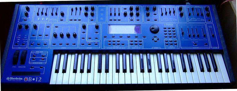 Exemplo dum sintetizador (hardware-synth): Oberheim OB12