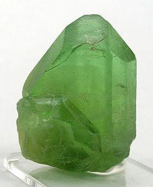 Olivine - Image: Olivine gem 7 10a
