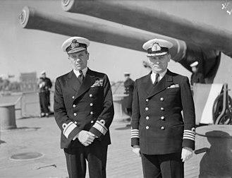 Alexandros Sakellariou - Alexandros Sakellariou (on the left) on board the cruiser Averof, Port Said 1943