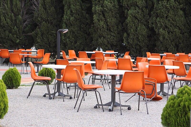 File:Orange polyprop chairs.jpg