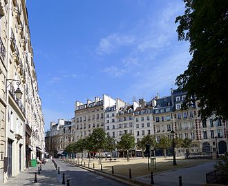 Il est cinq heures, Paris s'éveille - Place Dauphine, mentioned in the first line of the song.