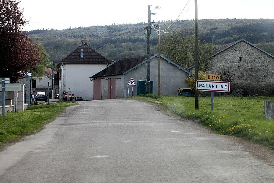 Entrée de Palantine (Doubs).