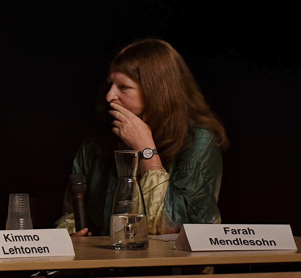 Mendlesohn at Archipelacon in Mariehamn, 2015