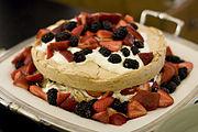 Pavlova cake 2