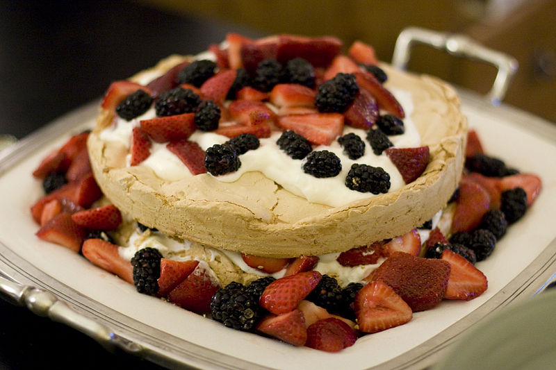 Datei:Pavlova cake 2.jpg